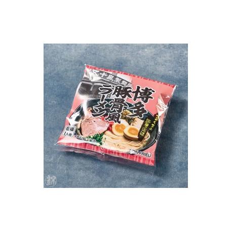 Ramen instantanées et son bouillon Tonkatsu